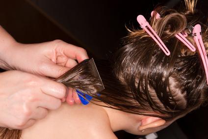Kopfläuse bei Kindern entfernen